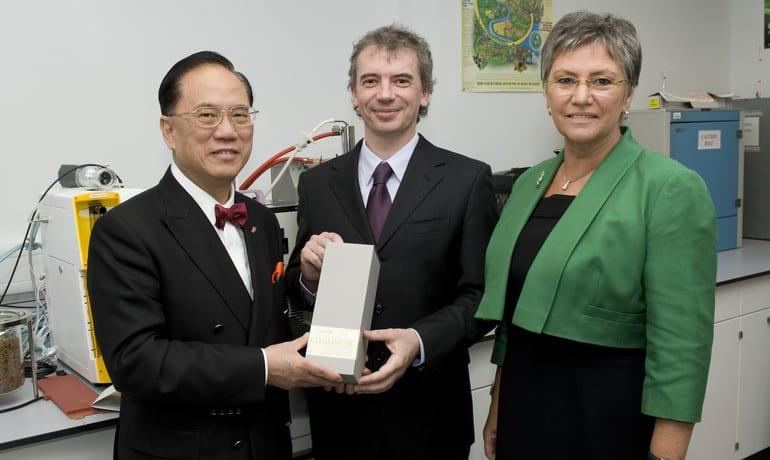 Hong Kong Chief Executive Toasts Edinburgh Napier University Biofuel Team